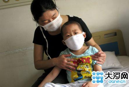 乡村教师夫妇为救白血病儿倾家荡产 无奈求助社会