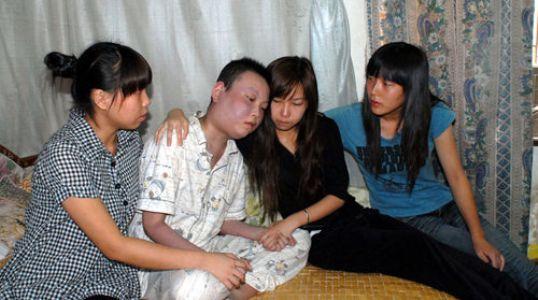 白血病的弟弟和他的三个姐姐